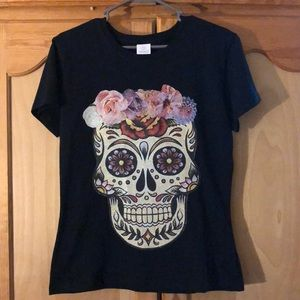 Tops - Day of the dead shirt 💀🌺